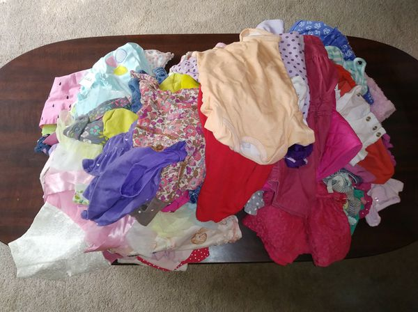**Pending pickup ** FREE Baby girls clothes sizes NB-12months