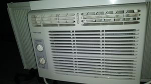 Frigidaire AC for Sale in Chicago, IL