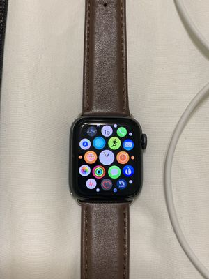 Apple Watch Series 4 40mm GPS + Cellular for Sale in Valparaiso, FL