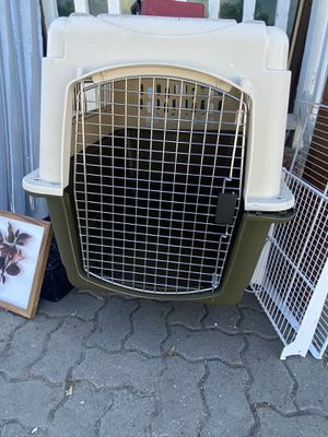 Large Dog travel crate for Sale in Salinas, CA