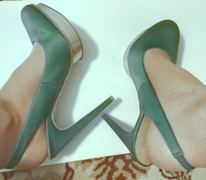 Size 10 BCBG mazria green sling back slingback high heels for Sale in Irving, TX