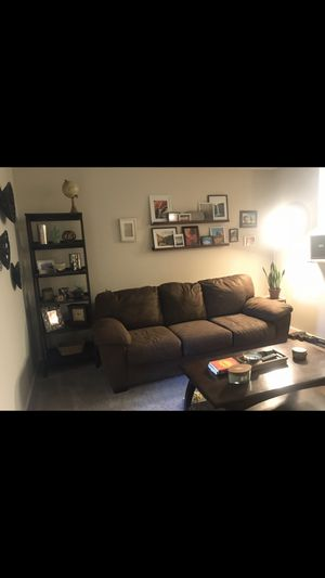 3-cushion couch for Sale in Mesa, AZ