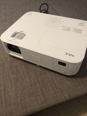NEC NP-P401W Multimedia 4000 lumens 3 LCD Video Projector HDMI. Great Cond. for Sale in Tampa, FL