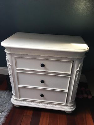2 night stands (Shabby Chic.) for Sale in Beverly Hills, CA