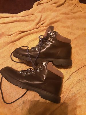 Tommy used boots perfect for work size 9 n half $5 for Sale in Miami, FL