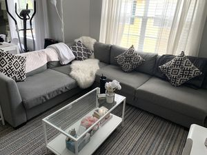 Grey Couch/sofa/sectional with storage and chaise for Sale in Katy, TX
