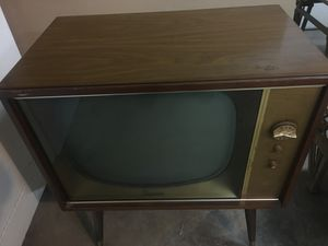 Vintage Magnavox TV tube light up no picture could be using shipment or decorated item $25 for Sale in Addison, IL