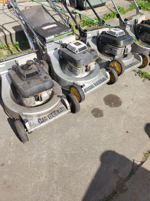 3 john deere no bags one push lanwmower for fix or part all for $100 for Sale in Dearborn, MI
