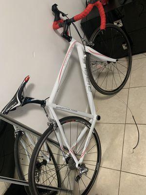Road bike for Sale in Hialeah, FL