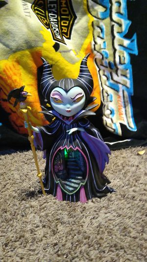 Maleficent 10 inch light up figurine. for Sale in Las Vegas, NV