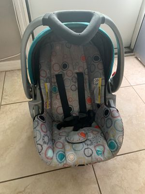 Car seat with base for Sale in Oldsmar, FL