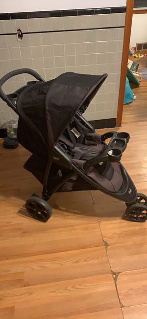Chicco Viaro travel system with infant seat for Sale in East Haven, CT