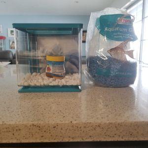 Small Plastic Fish Tank for Sale in Miami, FL