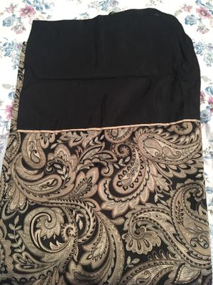 Shower Curtains and a black rug for Sale in Howell, MI