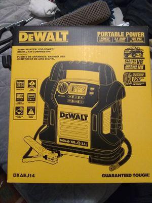 DeWalt jump starter/USB power/ Digital air compressor for Sale in Poulsbo, WA