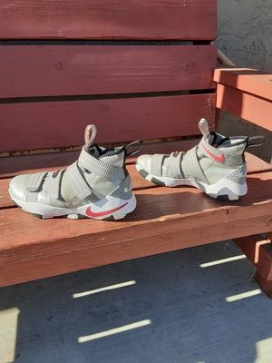 """Lebron James soldier eleven """" Size 8 """" for Sale in Fresno, CA"""
