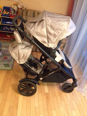 Britax b ready double stroller with lot of accessories for Sale in Alexandria, VA