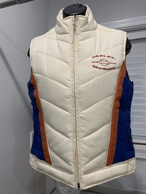 Harley Davidson women's embroidered puffer vest xs nwt. for Sale in Edmonds, WA
