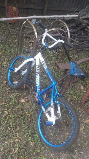 Bike for Kids. 5'10 and up is to big to ride... for Sale in Austin, TX