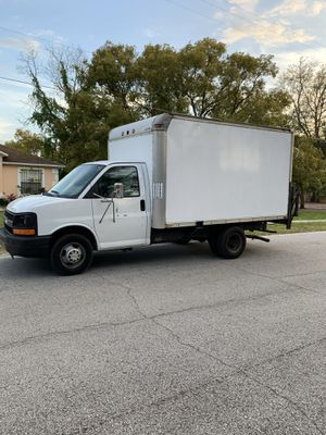 CHEVY EXPRESS 3500 DUALLY for Sale in Orlando, FL