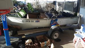Fishing boat with trailer, 2020 tags, and motor for Sale in City of Industry, CA