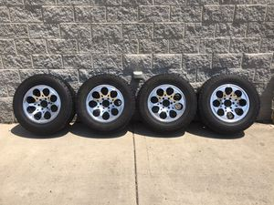 275 65 R18 6 lugs rims for Sale in Broadview, IL