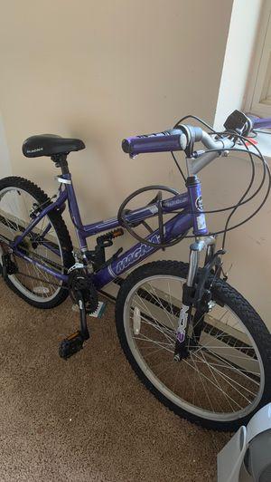 Mountain bike for Sale in Northwest Plaza, MO