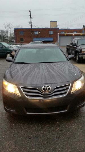 2011 toyota camry clean title. 86xxx miles for Sale in Silver Spring, MD