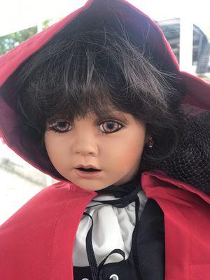 Muñeca de caperucita roja for Sale in Miami, FL