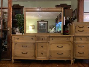 Antique real wood bureau and dresser 2 piece set for Sale in Ridgefield Park, NJ