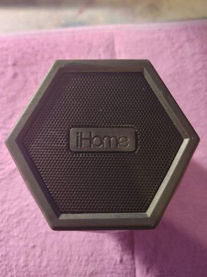 iHome Color Changing Bluetooth speaker for Sale in Benton City, WA