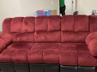 MOR 3 Seater, Double Reclining Couch for Sale in Vancouver,  WA