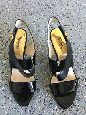 Michael Kors patent leather heels. Size 8 1/2 M for Sale in Mukilteo, WA