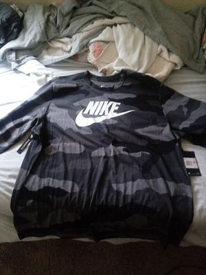 Brand new nike camo shirt 2xl 15$ for Sale in Columbus, OH