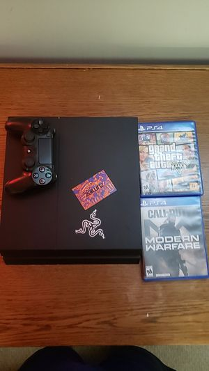 Ps4 with 2 games and a controller for Sale in Dublin, OH