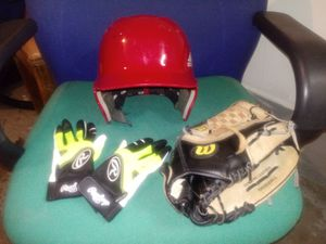 Girls softball equipment. for Sale in Parma Heights, OH