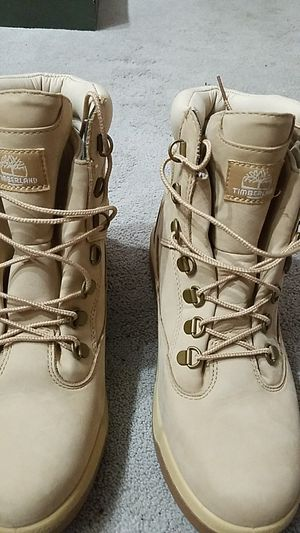 Size 9 Timberland Goretex field boots for Sale in Seattle, WA