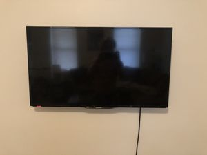 32 inch insignia tv for Sale in Columbus, OH