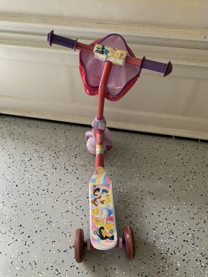 Girls Disney Princess Scooter for Sale in Duluth, GA