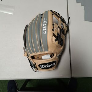 "Wilson A2000 1788 11.25"" INFIELD GLOVE for Sale in Tustin, CA"