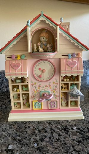 1991 RARE FLAWLESS BRAND NEW PRECIOUS MOMENTS TOYLAND ILLUMINATED MUSICAL ACTION CLOCK for Sale in Monroeville, PA