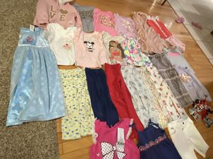 Girl bundle in good condition size 5,some pieces size 6, for Sale in Portland, OR