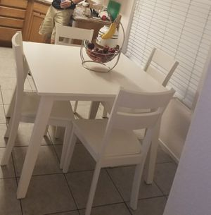 Small kitchen table w/ 4 chairs for Sale in North Las Vegas, NV