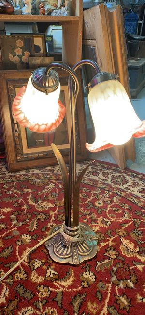 Vintage glass shade lamp for Sale in Waynesboro, PA