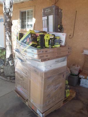 Home depot pallet for Sale in Porterville, CA