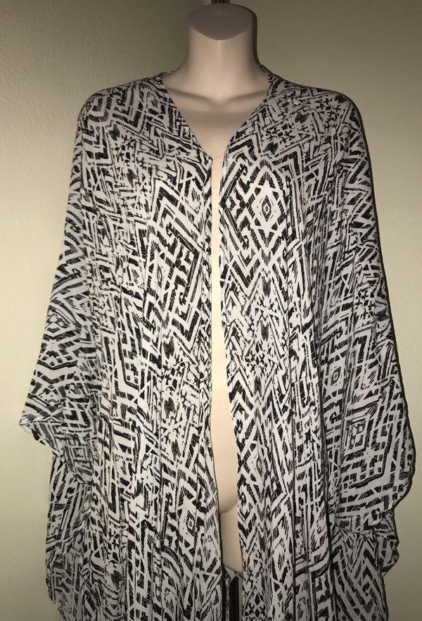 MOVING & CLOSEOUT SALE !!! New Beautiful pattern holiday kimono poncho for sale !!!