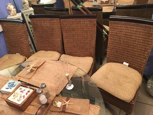 4 wicker chairs! Good condition for Sale in Pompano Beach, FL