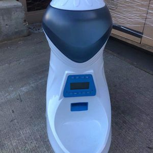 Automatic Cat Feeder Pet Food Dispenser Brand New for Sale in Diamond Bar, CA