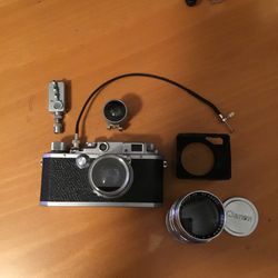 Vintage 35mm Canon Sii Rangefinder Camera With 50mm 1.9 &135mm F4 for Sale in Los Angeles,  CA