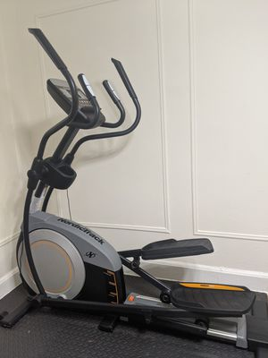 Nordic track E6.7 Elliptical for Sale in Brooklyn, NY